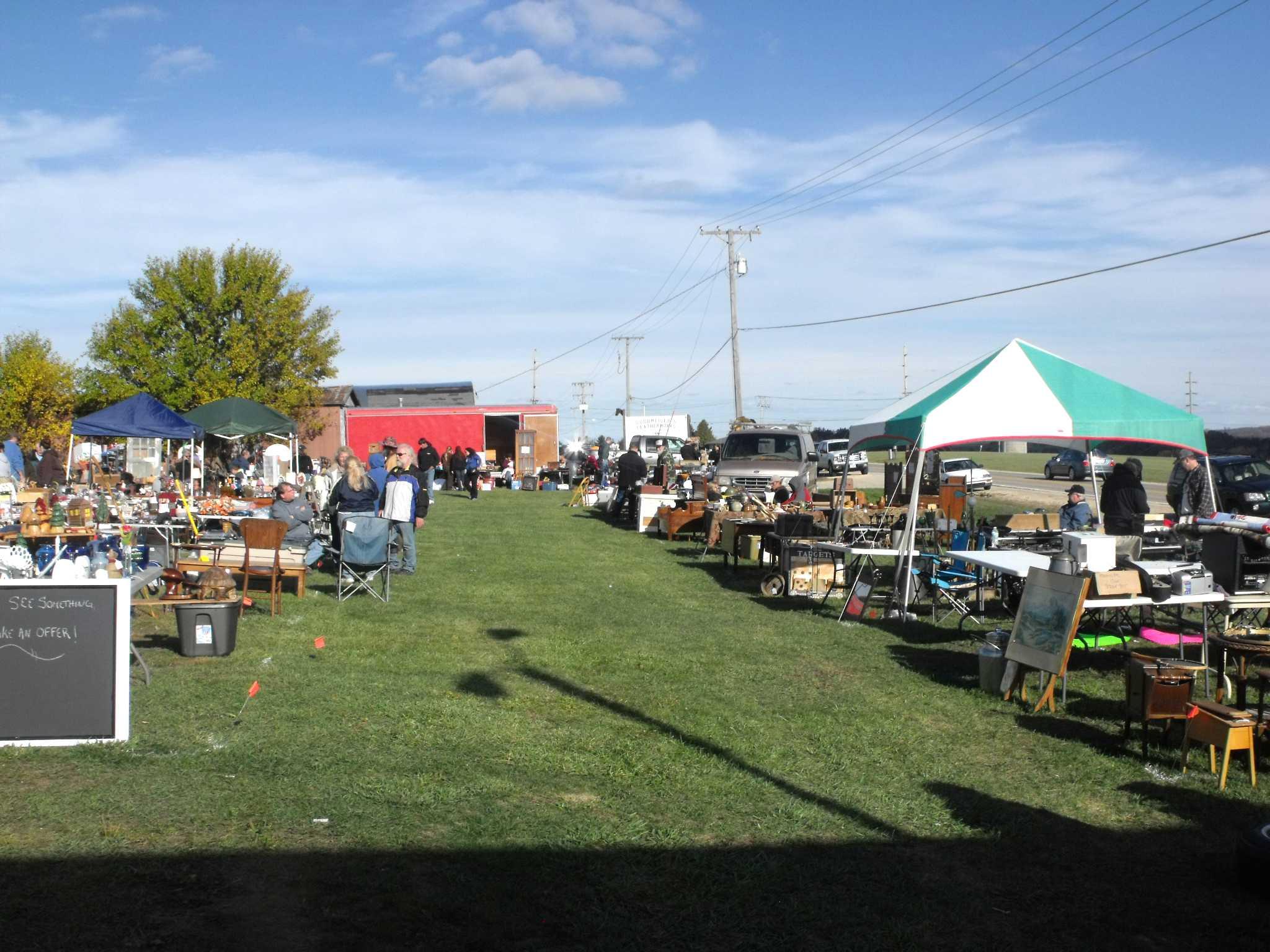 Outdoor flea market photo s august 2012 outdoor flea market photo s