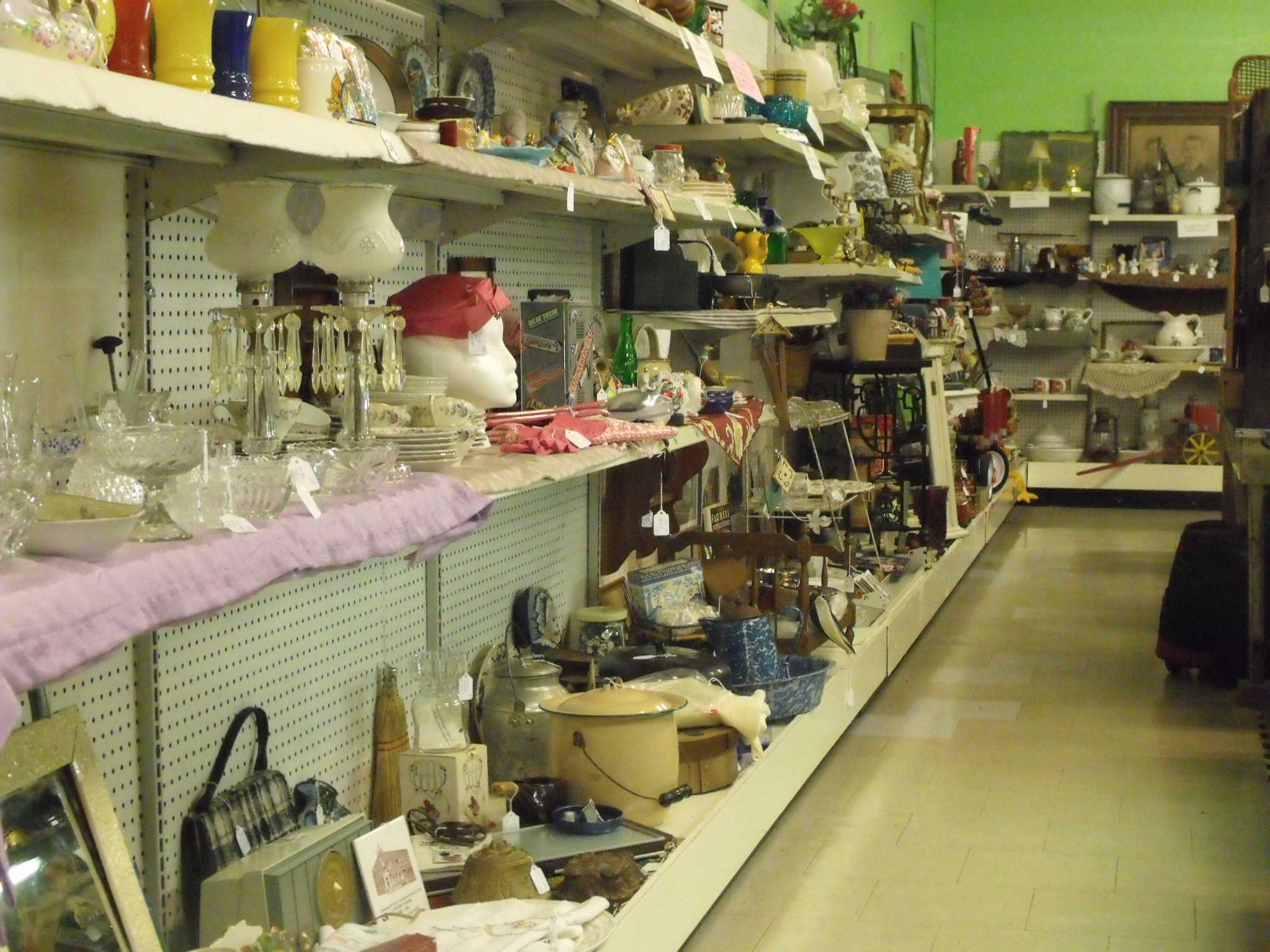 Our Daily Indoor Flea Market Photo's